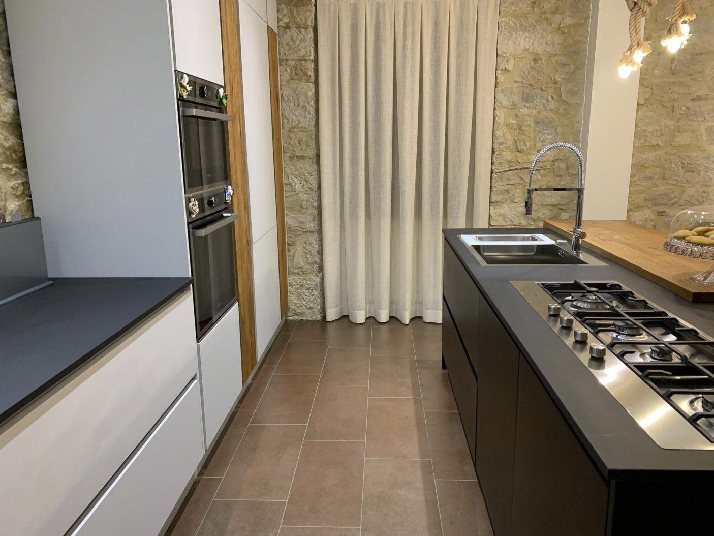 Cucina-personalizzata-Lyons-Domus-Arte8.jpg
